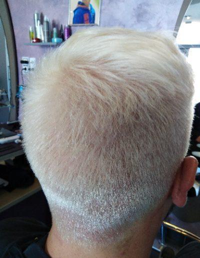 decoloration-a-blanc-pour-coloration-grise-salon-de-coiffure-mixte-castelginest