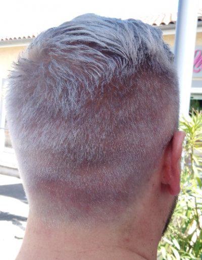 decoloration-blond-pour-une-couleur-grise-salon-de-coiffure-mixte-castelginest
